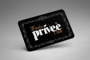 Imagen Corporativa Zaragoza. Diseño gráfico. Dípticos. Trípticos. Catálogos. Papelería. Tarjetas. Packaging. Photocall Logotipo Privee Music Club. Zaragoza.